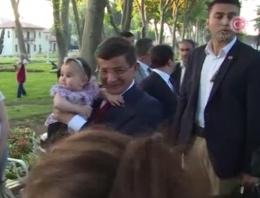 Davutoğlu türkü söyledi horon tepki!
