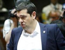 Yunanistan son dakika Çipras pes etti!