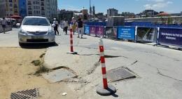 Taksim Meydanı'nda korkutan olay! Yol çöktü!