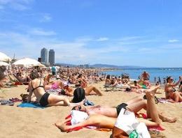 Barcelona'da turistler için şok karar!