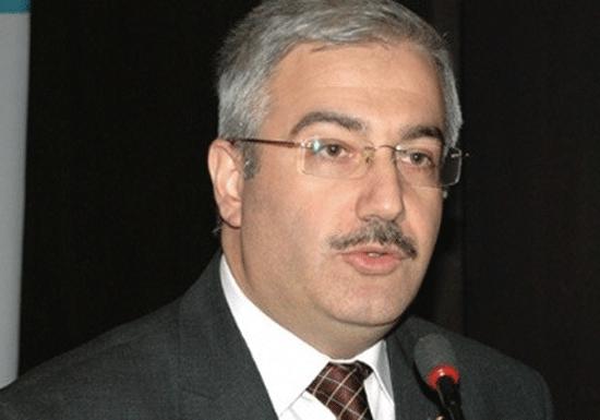 Başbakan Davutoğlu'na yeni başdanışman