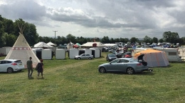 Eş değiştirme çadırı köyü karıştırdı!
