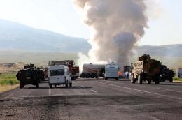 Van'da askeri araca bombalı saldırı!