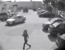 Yanlış park eden kadın sürücüye şok tepki