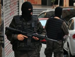 Elazığ'da silahlı saldırı! 3 polis yaralı!