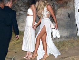 Kardashian'ın kardeşi dekoltede onla yarışıyor!