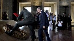 Liderler Anıtkabir'de! O isim törene katılmadı!