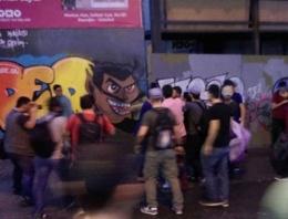 Taksim Dünya Barış Günü'nde karıştı