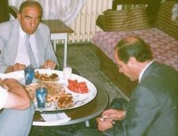 MHP'den Tuğrul Türkeş'e fotolu cevap!