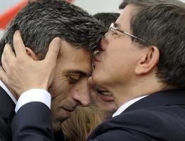 Davutoğlu'nun alnından öptüğü büyükelçi resmen CHP'li