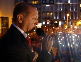 Erdoğan Brüksel'de  muhalefete çattı