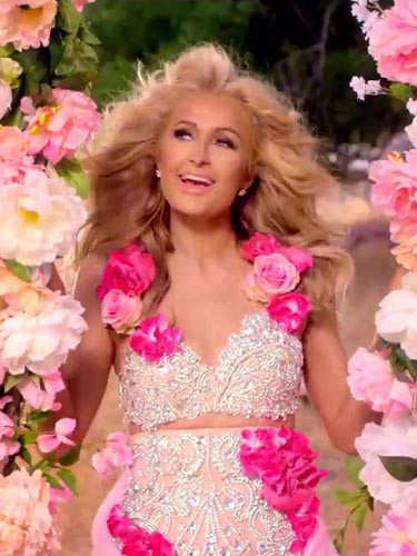Paris Hilton'u delirten uçak şakası!