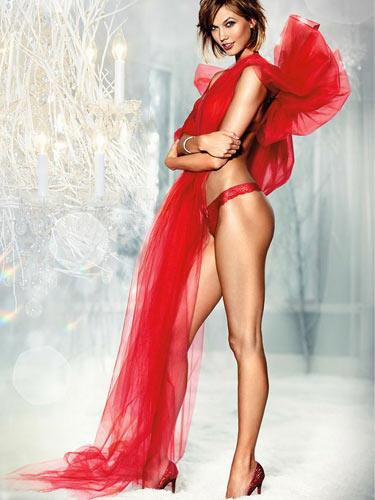 Karlie Kloss dünyanın en iyi mankeni seçildi!