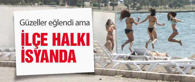 Plaja çekilen paravan tatilcileri kızdırdı