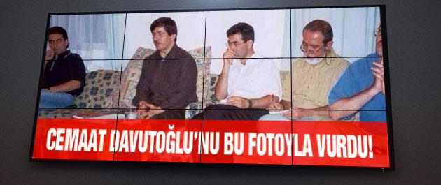 Cemaatçi vekil Davutoğlu'nu bu fotoyla vurdu!