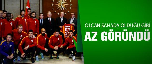 Olcan Adın'dan Ak Saray'da protesto