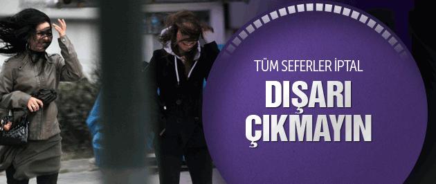 Lodos İstanbul'u fena vurdu tüm seferler iptal