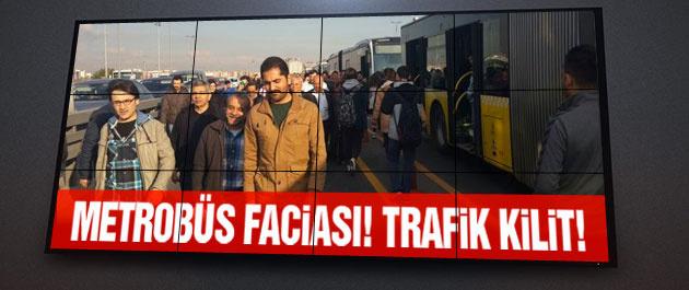Metrobüs kazası trafiği kilitledi!