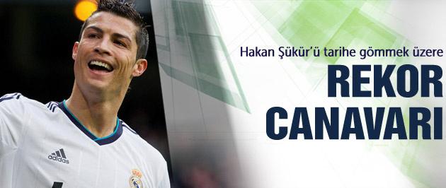 Ronaldo Hakan Şükür'ü yakaladı