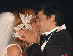 Çağla ve Emrenin düğün gecesi