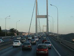 Boğaziçi Köprüsü'nde zincirleme trafik kazası meydana geldi