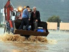 Sağanak yağış, Fethiye'yi göle çevirdi
