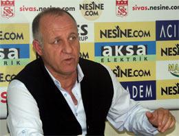 Sivasspor Bakkal ile yollarını ayırdı