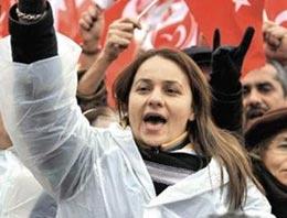MHP'liler kadınların peşine düştü!
