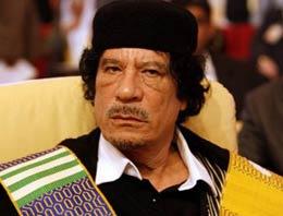 Kaddafi'nin bakanı başa geçti