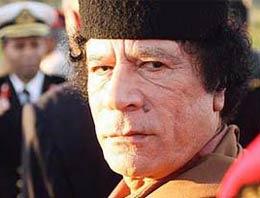 Kaddafi, düşmanlarını ezip geçecek