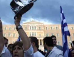 Yunanistan'a koşullu yardım