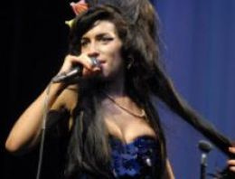 Amy Winehouse İstanbul konseri iptal edildi