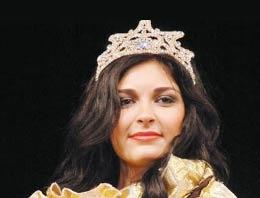 Türk kızı Çin'de kraliçe seçildi