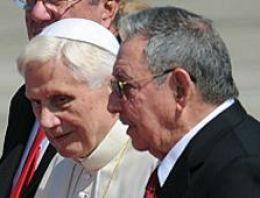 Papa Benediktus Küba ziyaretine başladı