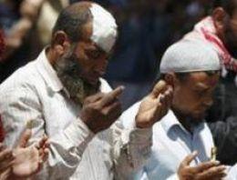 Kahire'de protestoya saldırı: 11 ölü
