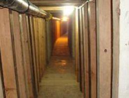 Meksika ABD sınırında iki tünel bulundu