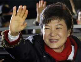 Güney Kore'yi diktatör kızı yönetecek