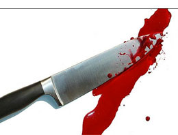 70 yaşındaki annesini bıçakladı!