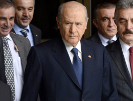 Öcalan AKP'yi topaç gibi çevirmekte