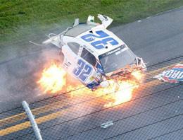 Araba yarışında kaza: 33 yaralı