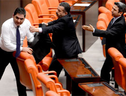 Meclis'te haysiyetsiz kavga!