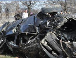 İki AK Parti'li trafik kazasında öldü
