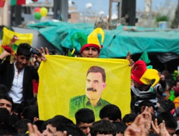 Öcalan posteri açanlar yandı