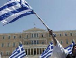 Yunanistan 15 bin kamu görevlisinin işine son veriyor