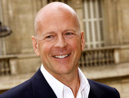 Bruce Willis'den kuryeliğe devam!