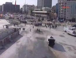 Taksim'de kamyonu ateşe verdiler