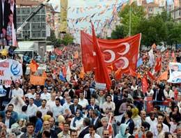 MHP bayrakları Bahçeli'yi çıldırttı