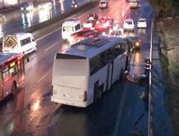 Yolcu otobüsü İETT durağına daldı