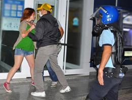 Polis çırılçıplak soyunup ıkınmamı istedi