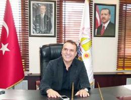 Damat adayı belediye başkanını bıçakladı